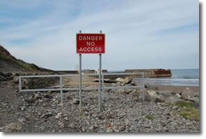 no access sign to old sea wall